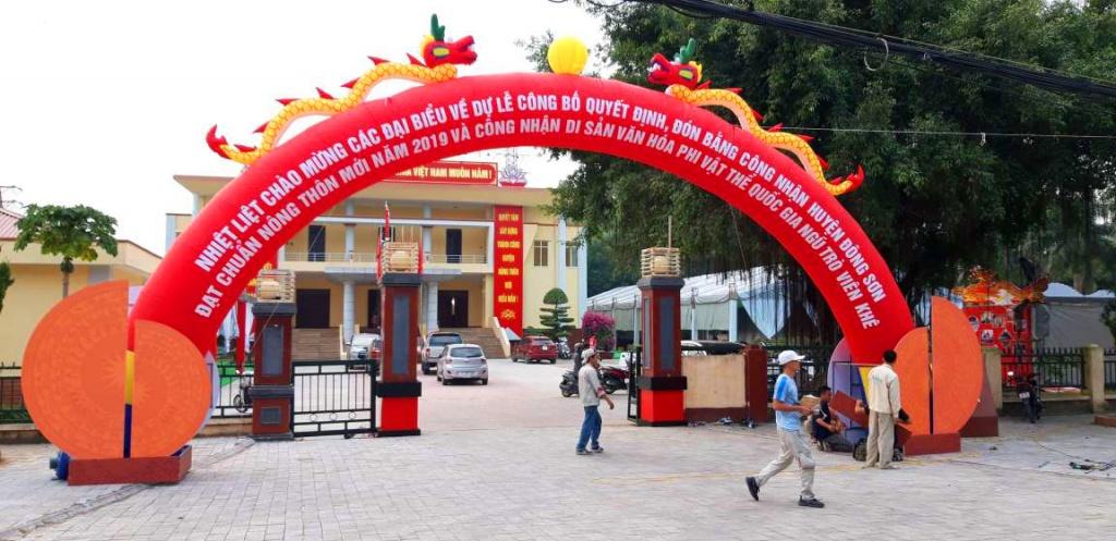 Huyện Đông Sơn đón bằng nông thôn mới cổng hơi