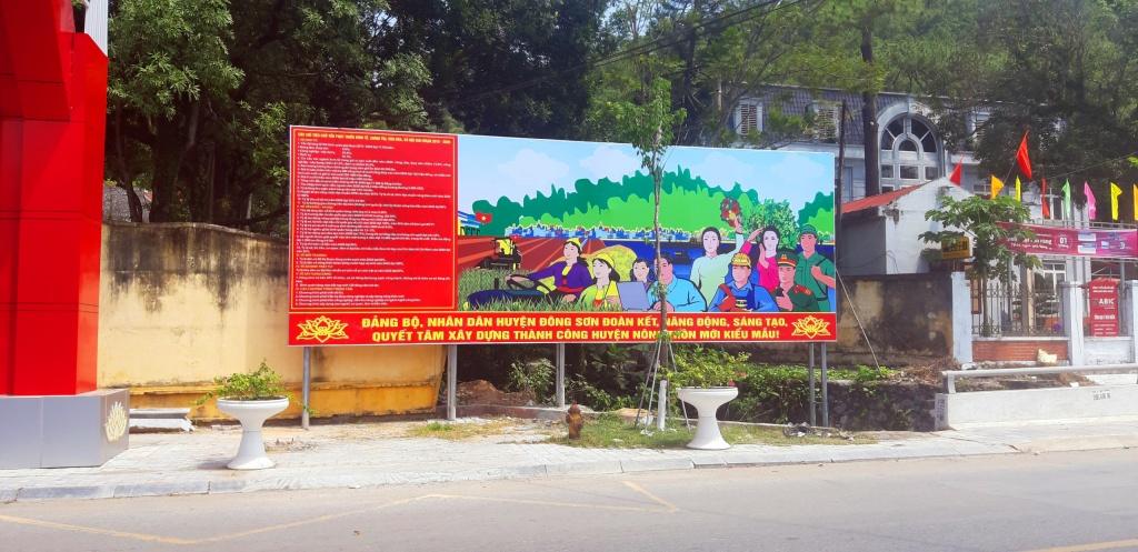 Huyện Đông Sơn đón bằng nông thôn mới pano 2