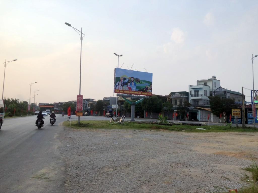 Huyện Đông Sơn đón bằng nông thôn mới pano 3