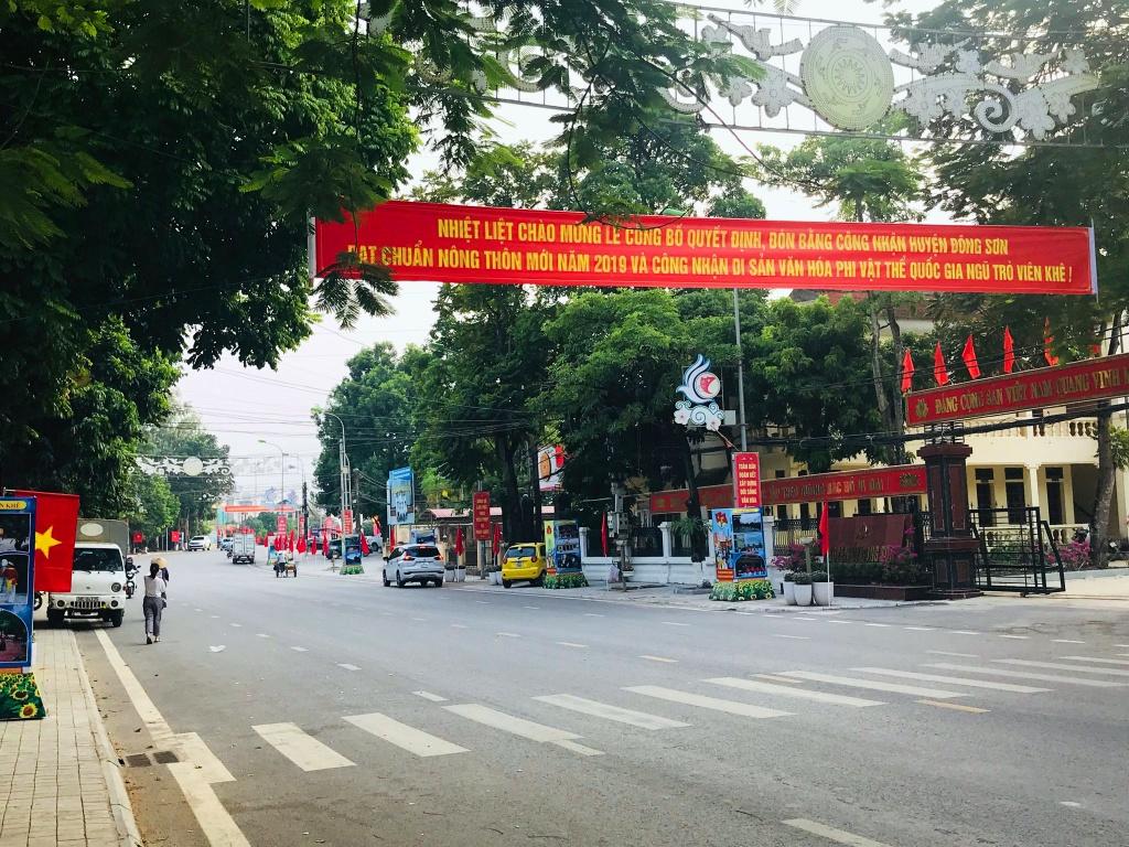 Huyện Đông Sơn đón bằng nông thôn mới  băng zol