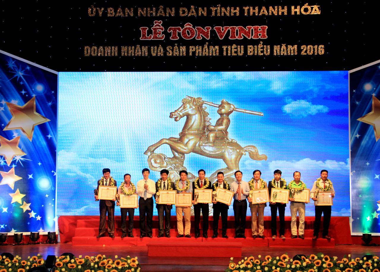 4 Doanh nhân được Chủ tịch Nước trao Huân chương lao động hạng Nhất, Nhì và Ba